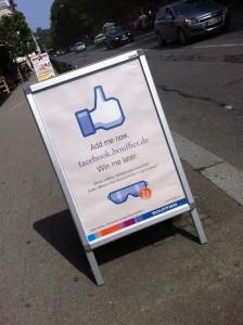Likes jetzt immer und überall? Stopper-Werbung im Straßenbild